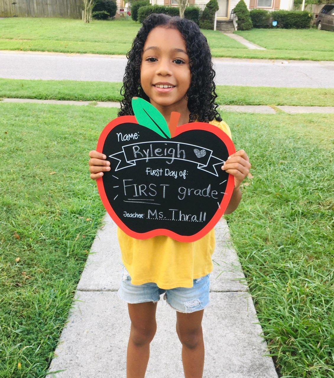 Ryleigh Rayner's first day of 1st Grade (Virtually) Georgetown   Primary.jpg