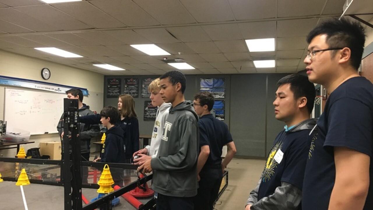 Brownell-Talbot hosts Chinese robotics teams