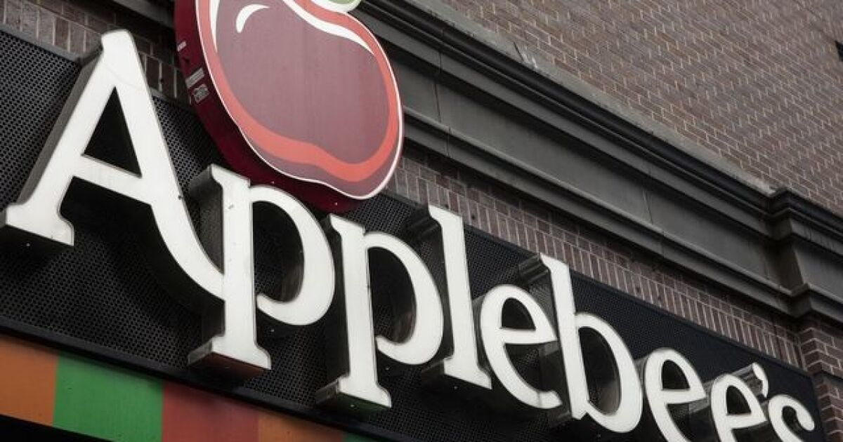 Applebee's says it's closing about 80 locations less than a ... on nearest golden corral locations, applebee's store locations, number of applebee's locations, chili's locations, huddle house locations,
