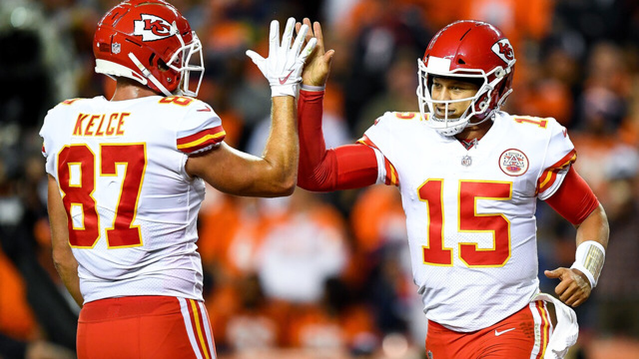 Mahomes rallies Chiefs past Broncos, 27-23