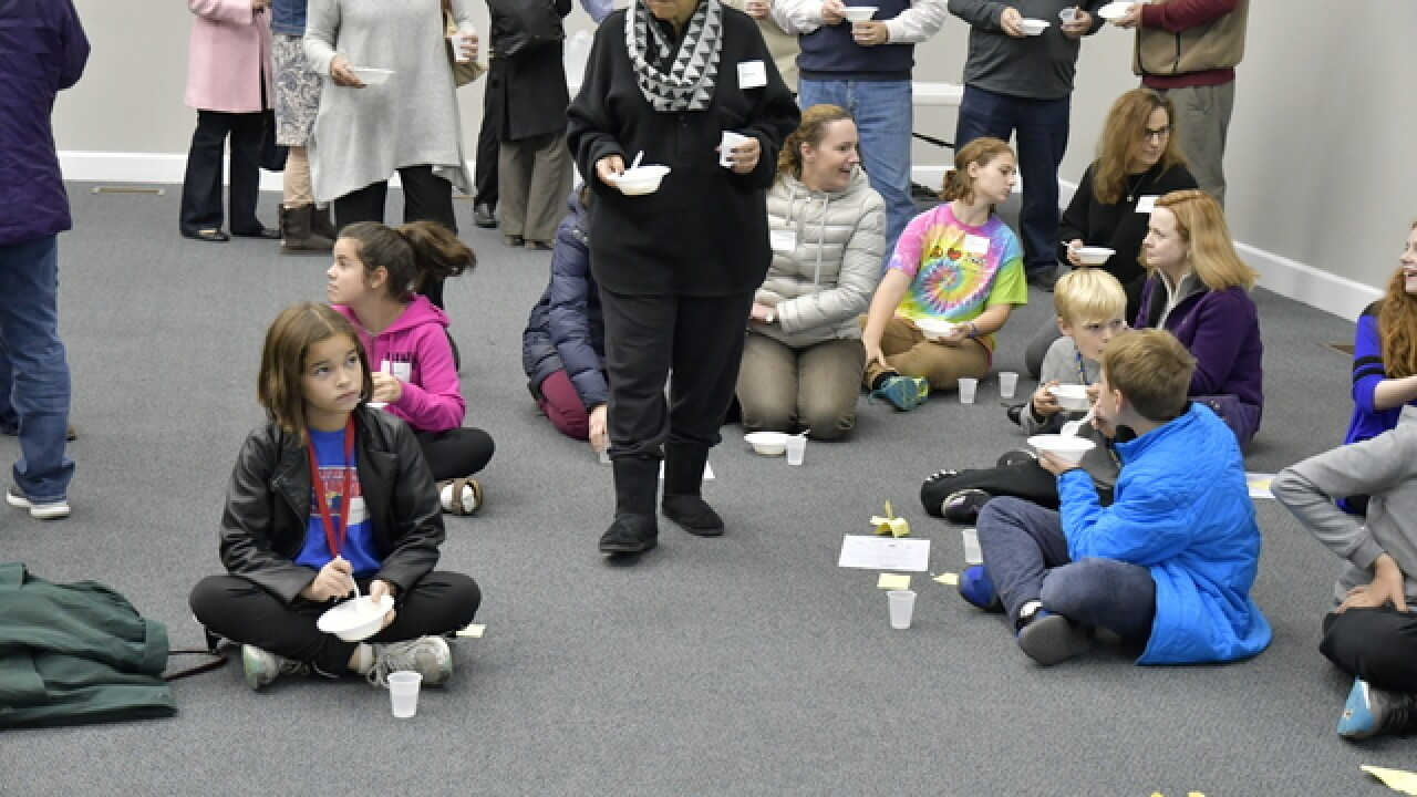 Pizza or rice? Kids get a lesson in hunger