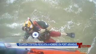 Guardia Costera rescata a hombre en Port Aransas