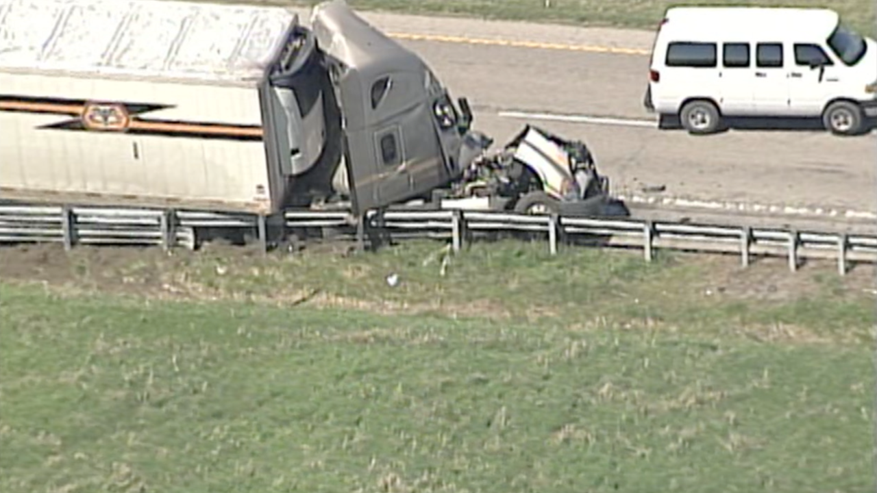 Semi fatal crash I-70 Lafayette County.png