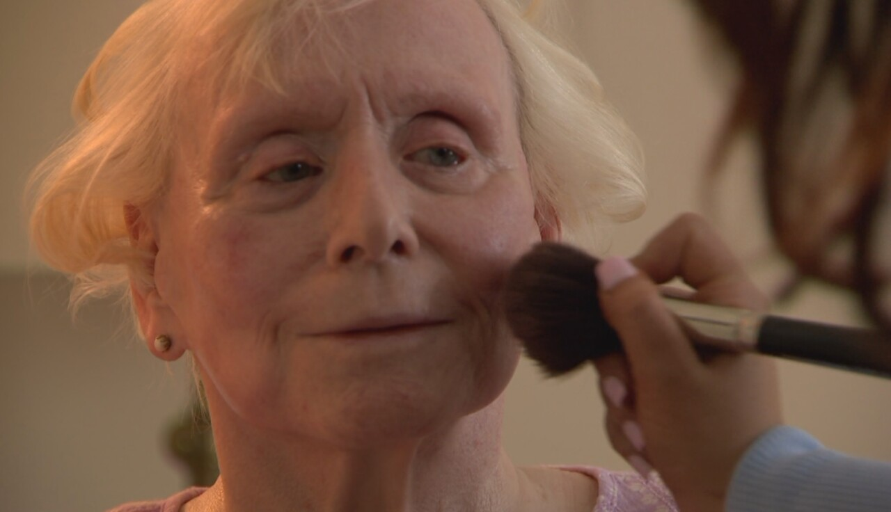 JOAN DUNSIRE - MAKE UP.jpg