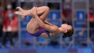 Hailey Hernandez advances to next round of springboard diving