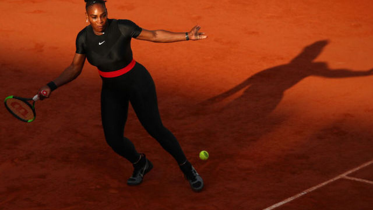 Serena Williams withdraws from French Open ahead of Sharapova match