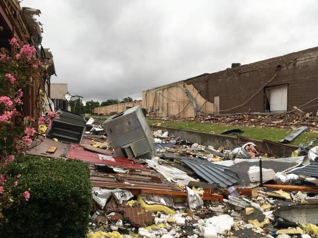 Tornado rips through midtown Tulsa Sunday morning