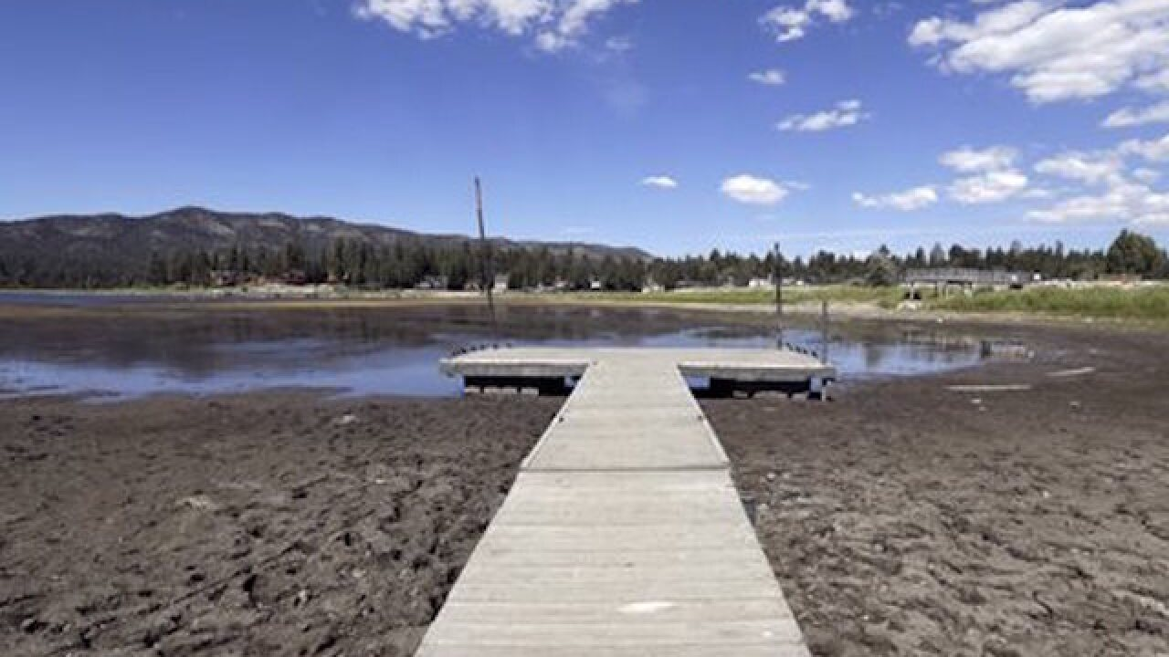 Calif. to allow water districts to set saving