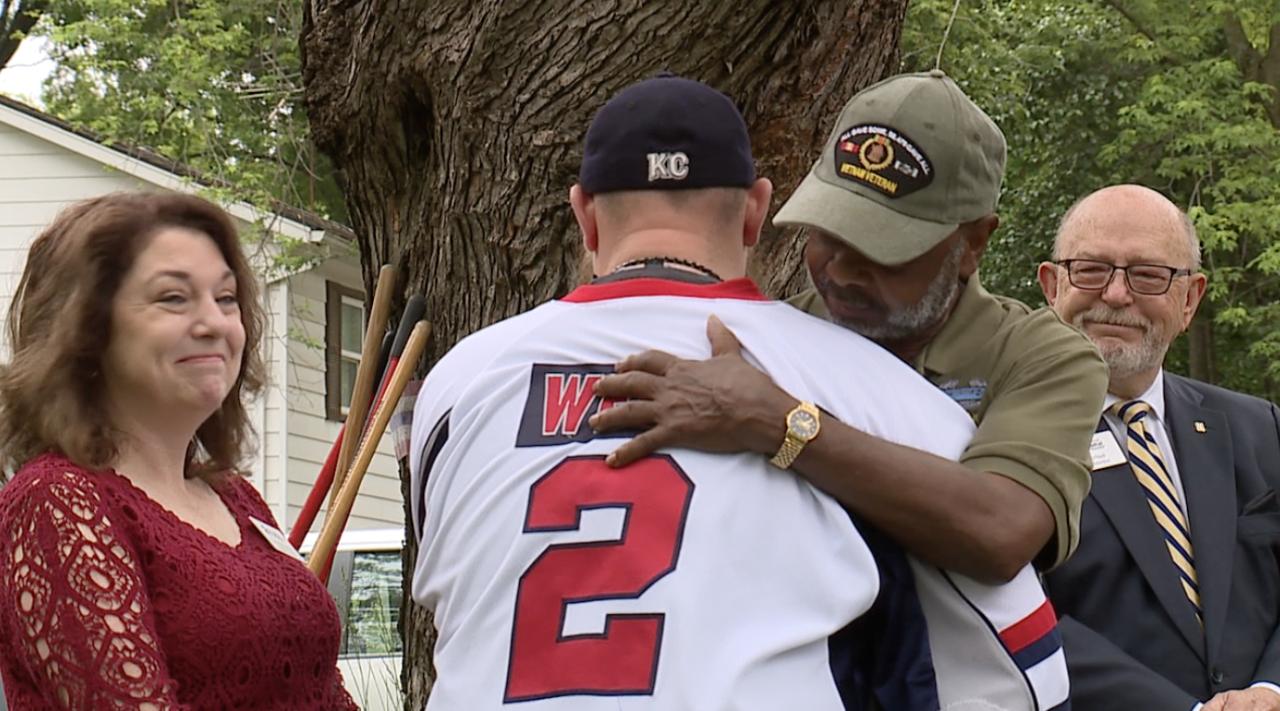 Blue Springs, Missouri Mayor, Carson Ross, welcomes fellow veteran, Sean Webb to Blue Springs.