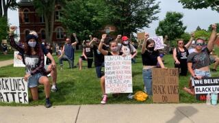 Howell+protest+(2).jpg