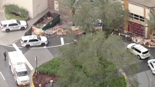 Popped balloon sparked panic, rumors of shots fired at Florida mall, police say