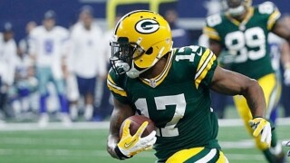 Davante Adams announces he and his wife are expecting a baby girl