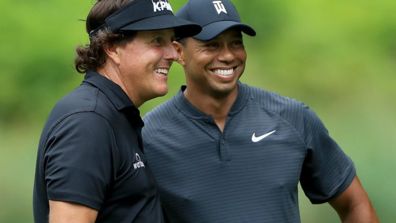 Report: Tiger Woods-Phil Mickelson golf match set for Thanksgiving weekend in Las Vegas
