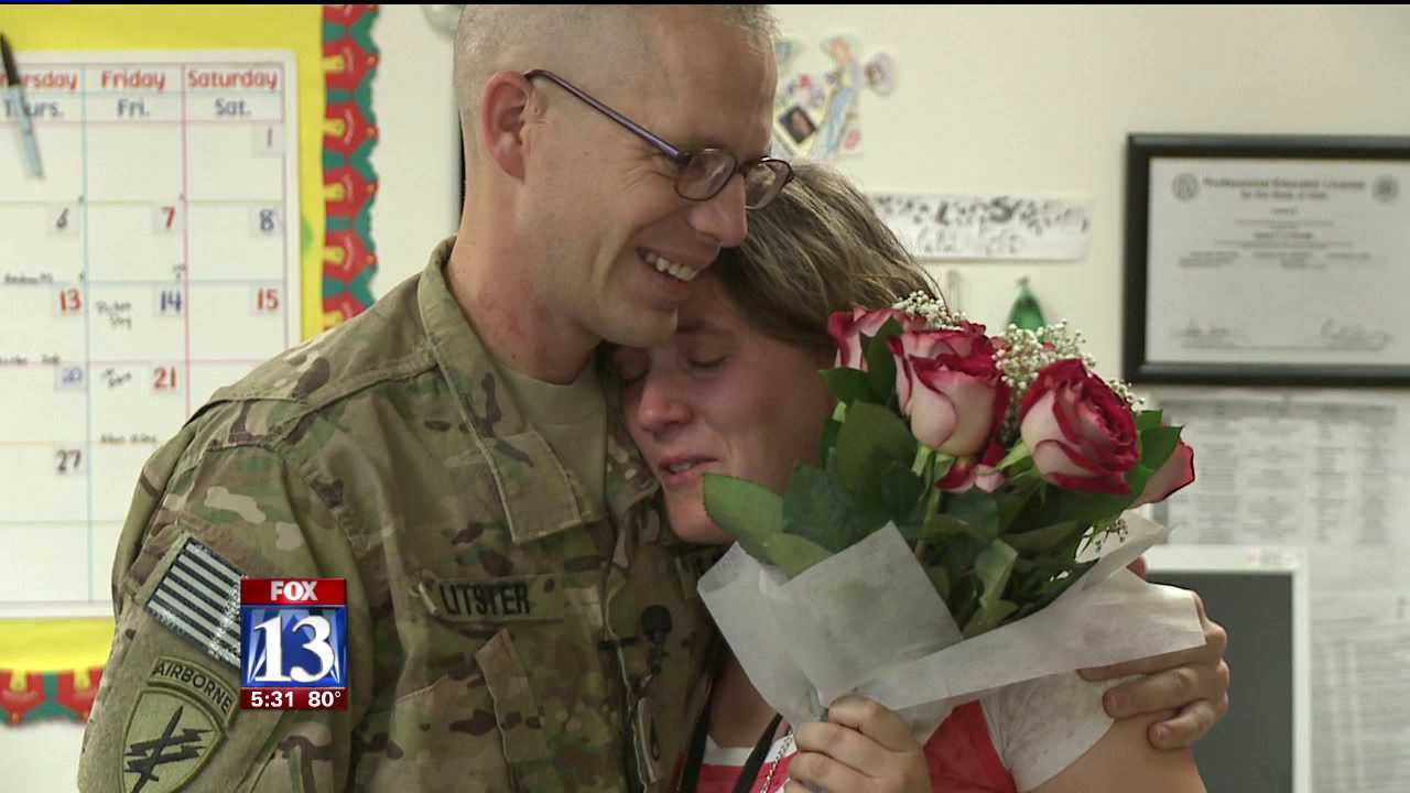 Teacher surprised in class with husband's return from Afghanistan