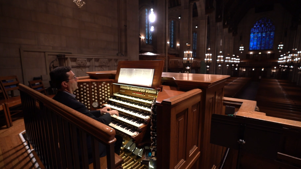 Largest pipe organ in Chicago creates surround sound effect