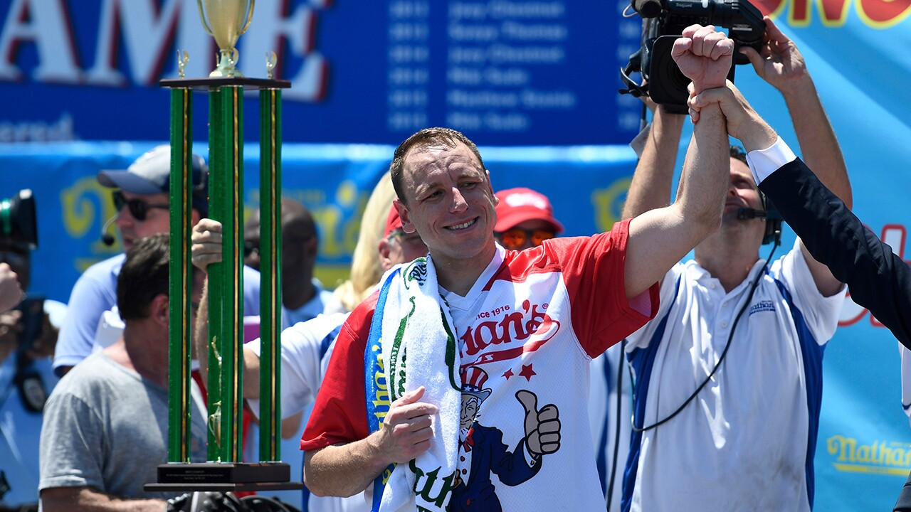 Joey Chestnut.jpg