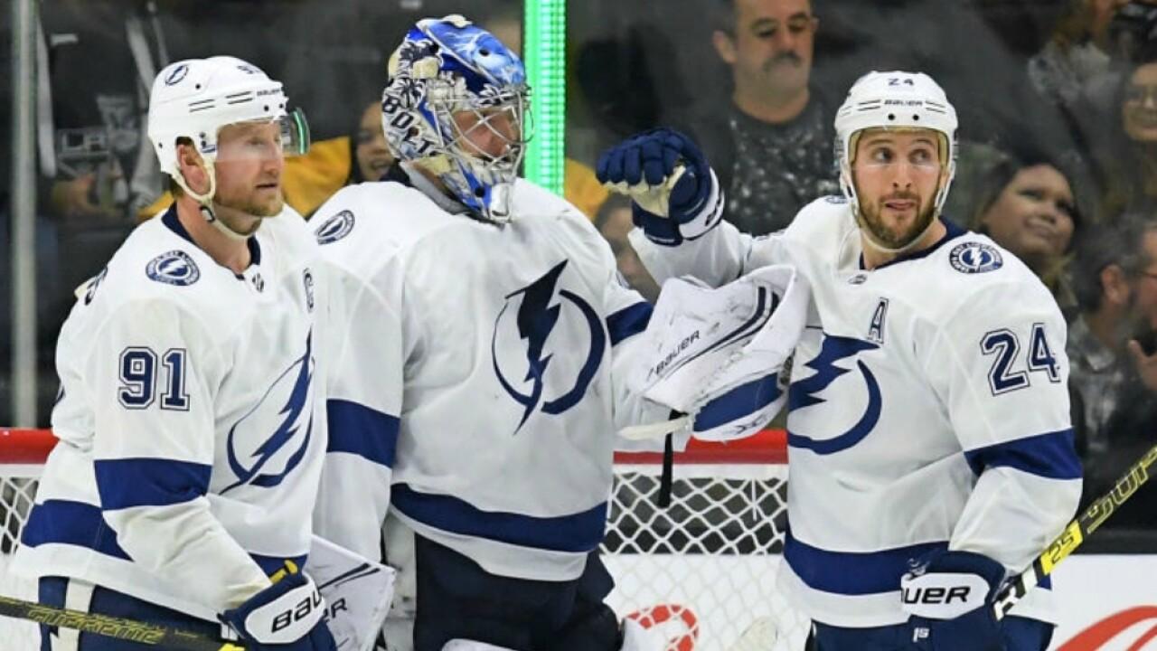 Lightning celebrate win over Kings