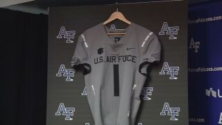 Air Force heads to Hawaii for showdown with Rainbow Warriors
