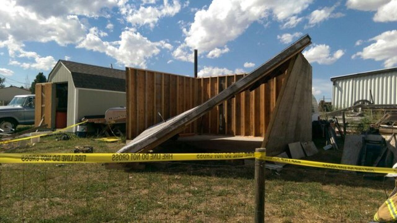 Man dies following roof collapse in Elbert County