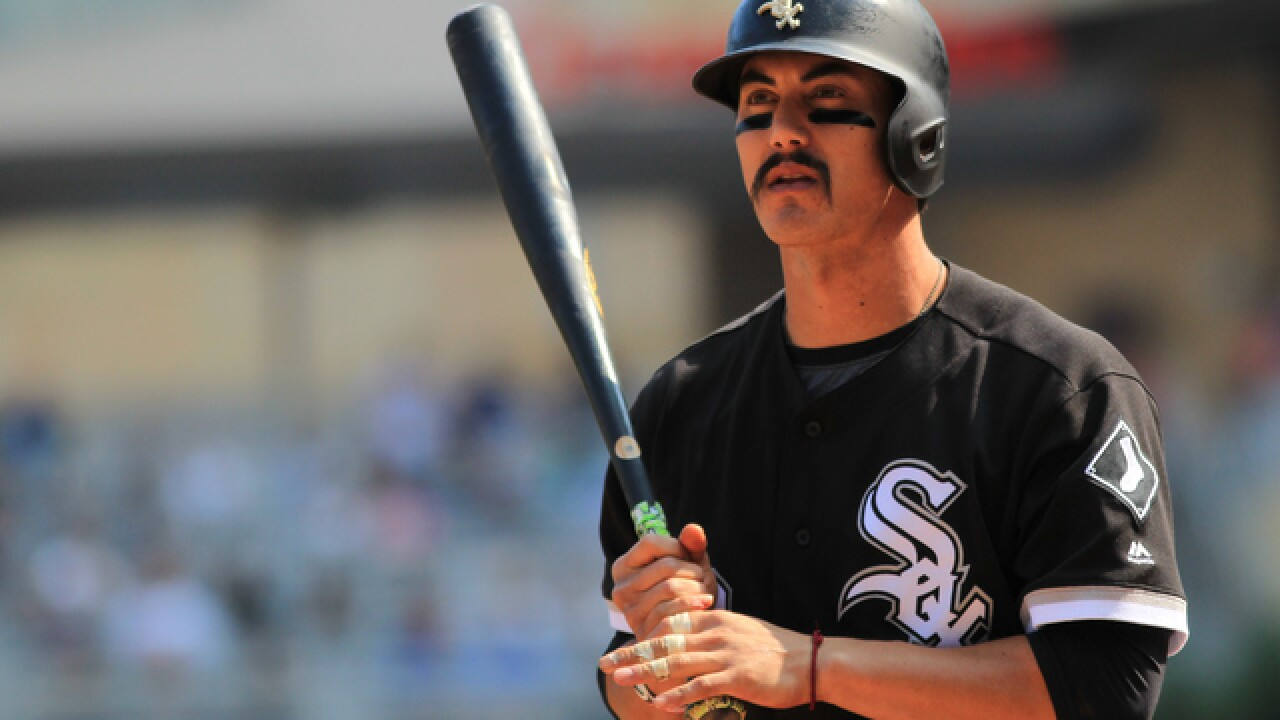 Brewers acquire Tyler Saladino from White Sox