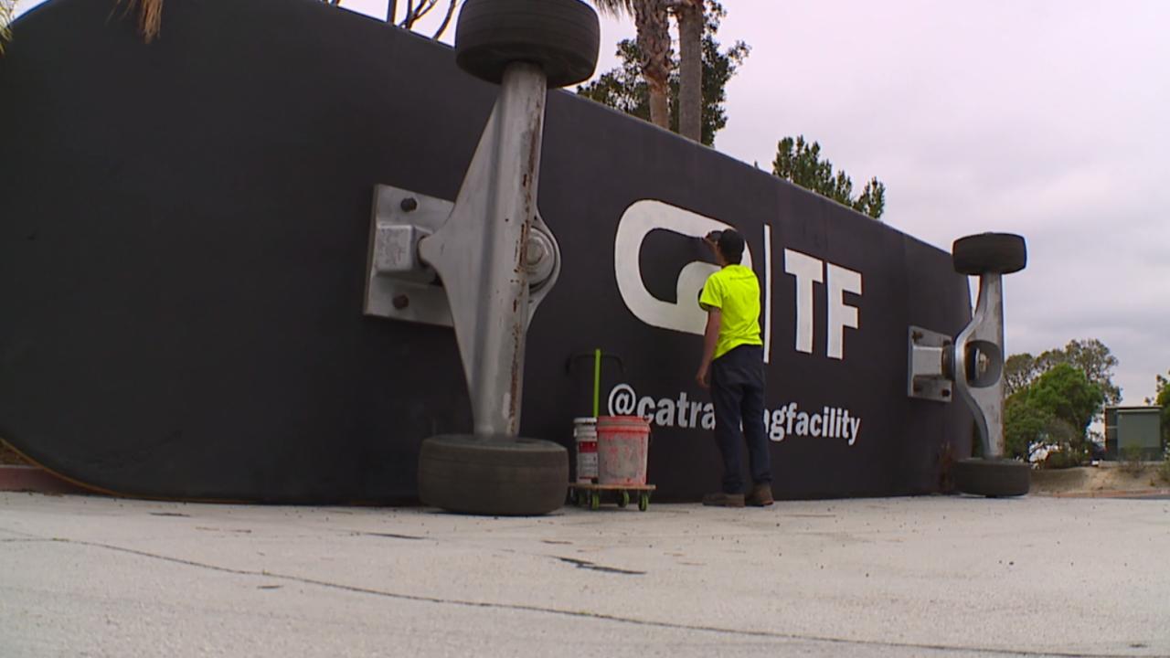 Giant Skateboard.png