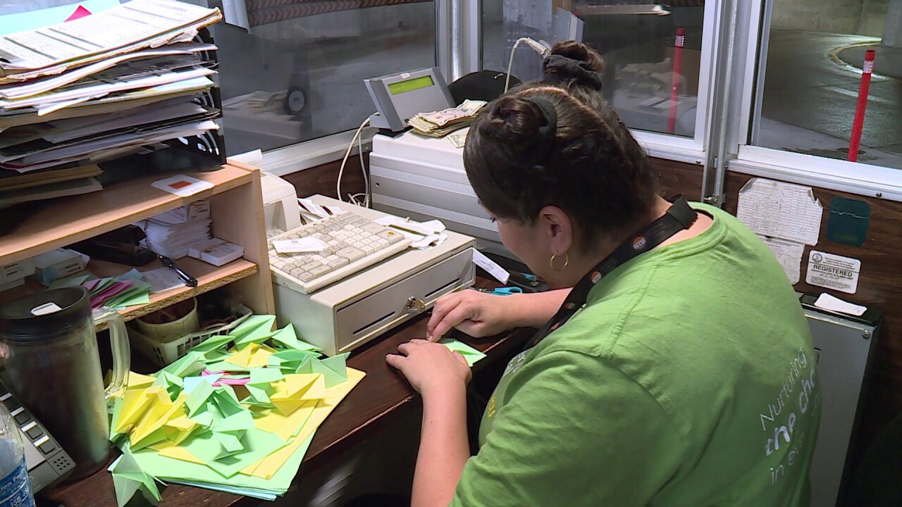 She folds 250 pieces of origami a day to cheer up people parking at Richmondhospital