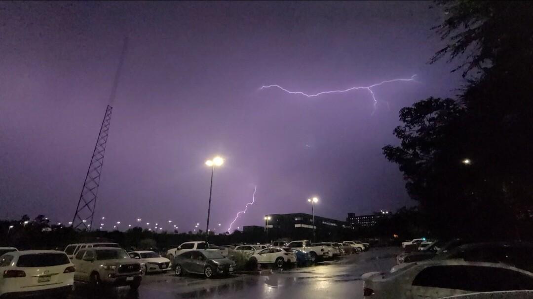 lightning_escondido_4.jpg