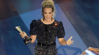 It's a tie! Carrie Underwood, Thomas Rhett both win top prize at ACMs