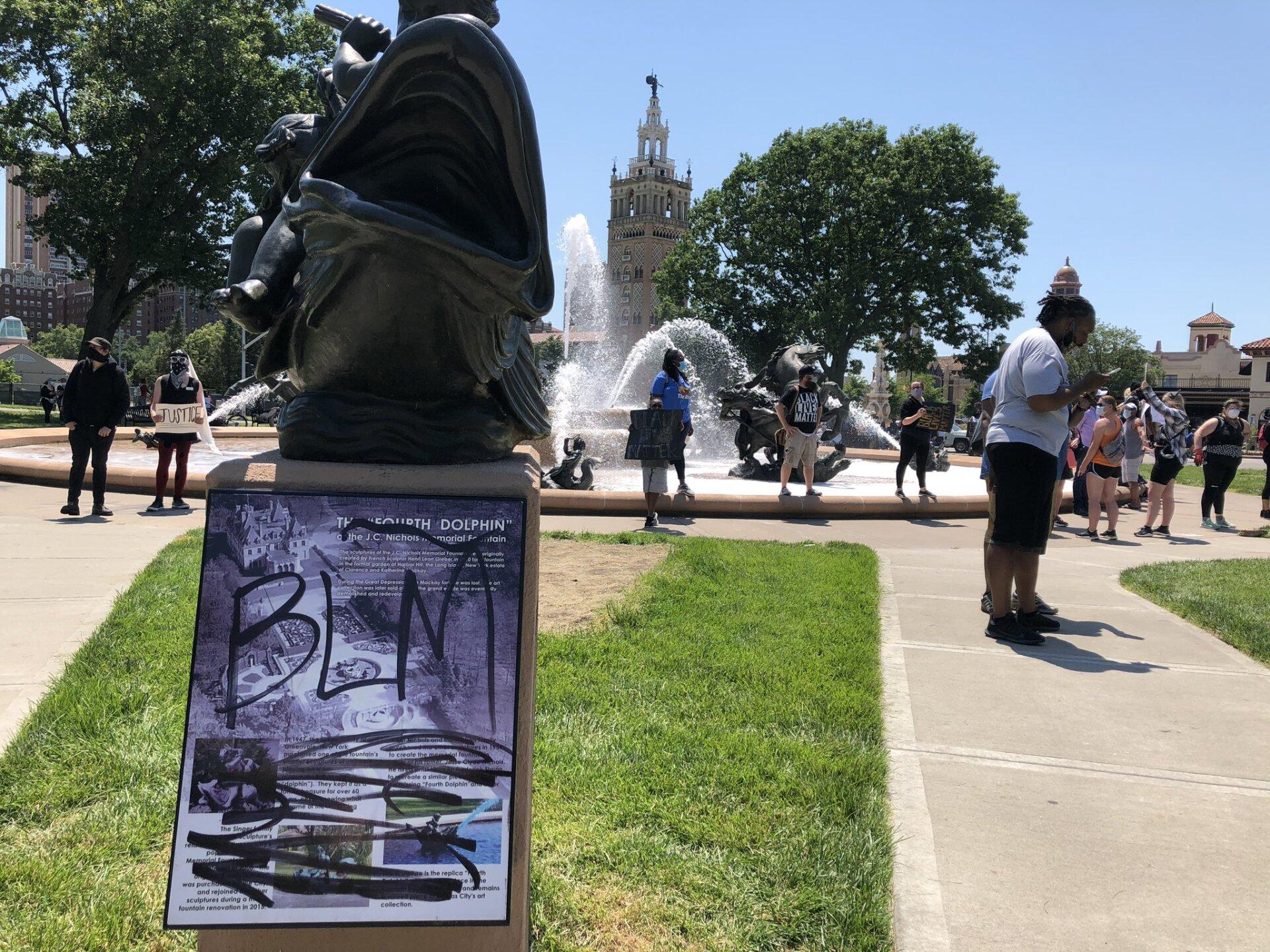 Plaza Protest-Dia 1.jpeg
