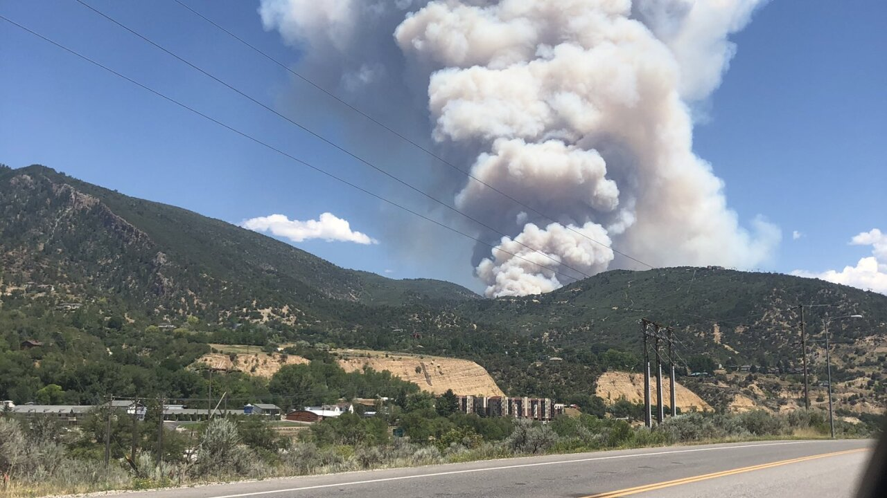 Fire shuts down I-70 in Glenwood Canyon in western Colorado
