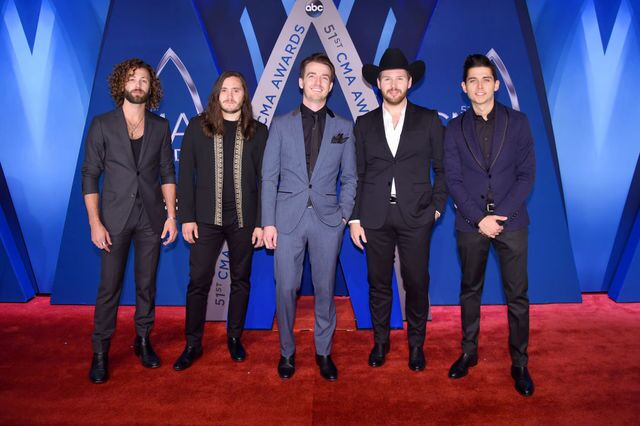 2017 Country Music Association Awards: Red Carpet looks