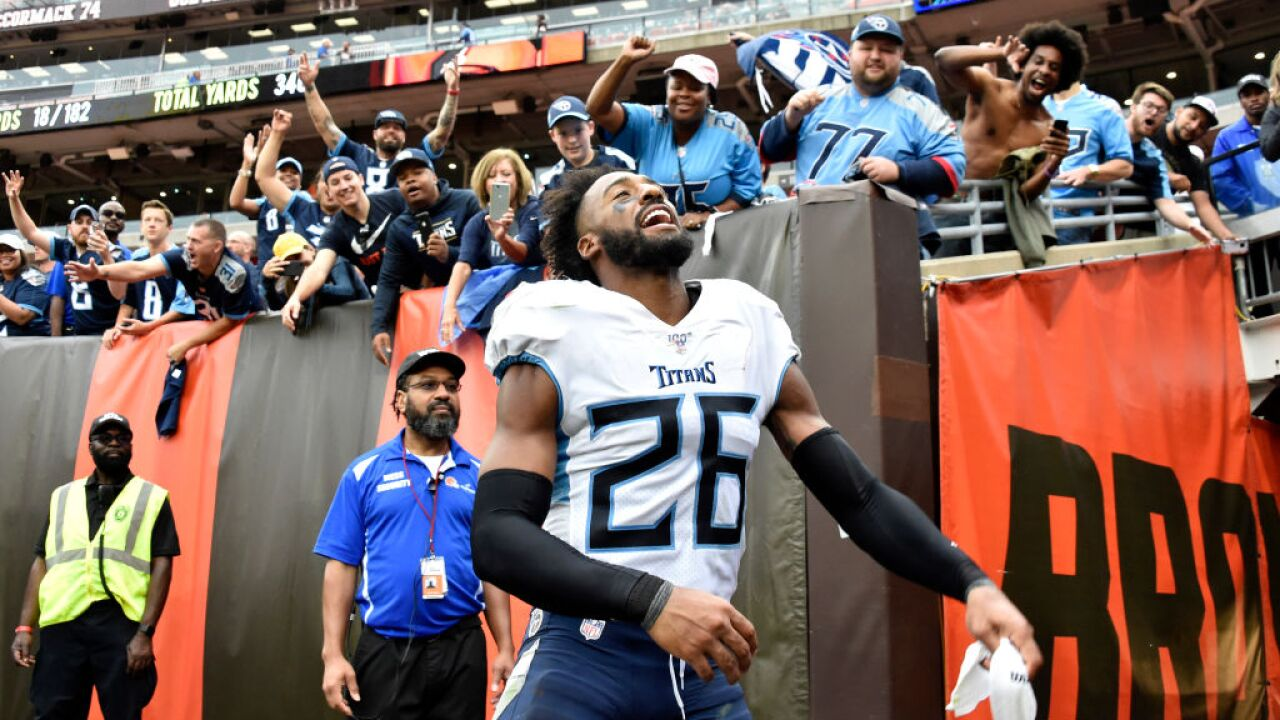 Browns fan banned indefinitely for pouring beer on Titans cornerback