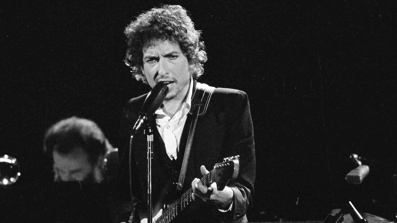 Bob Dylan sells his song catalog to Universal in blockbuster deal