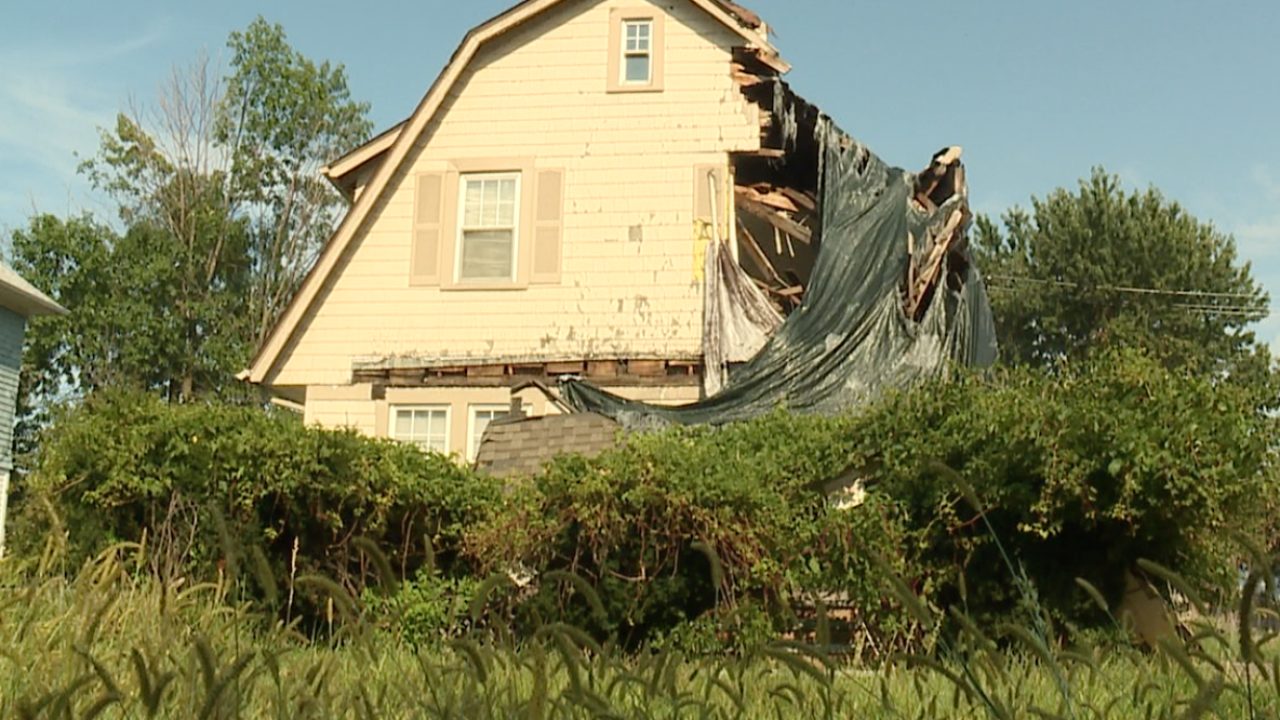 CLE residents share concerns over burned-out condemned homes