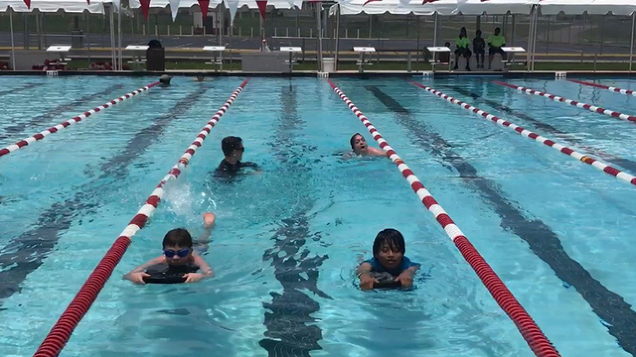 Pinellas dad teaches kids with autism to swim