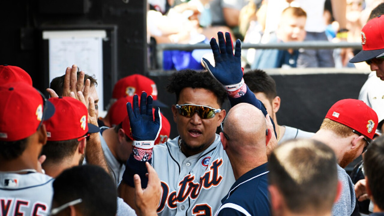 Tigers set off fireworks in 11-5 win over White Sox