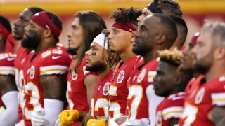 'Show of unity' by Chiefs, Texans met with boos by Kansas City crowd