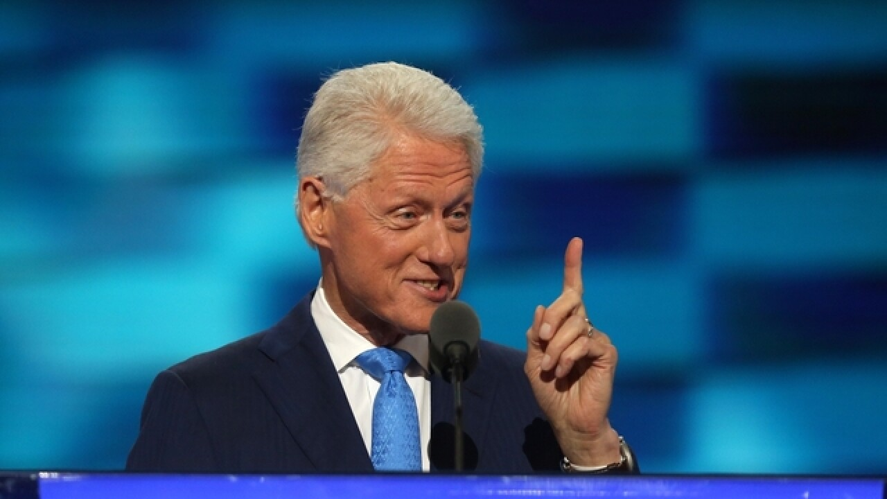 In touching love story, Bill Clinton makes his case for Hillary