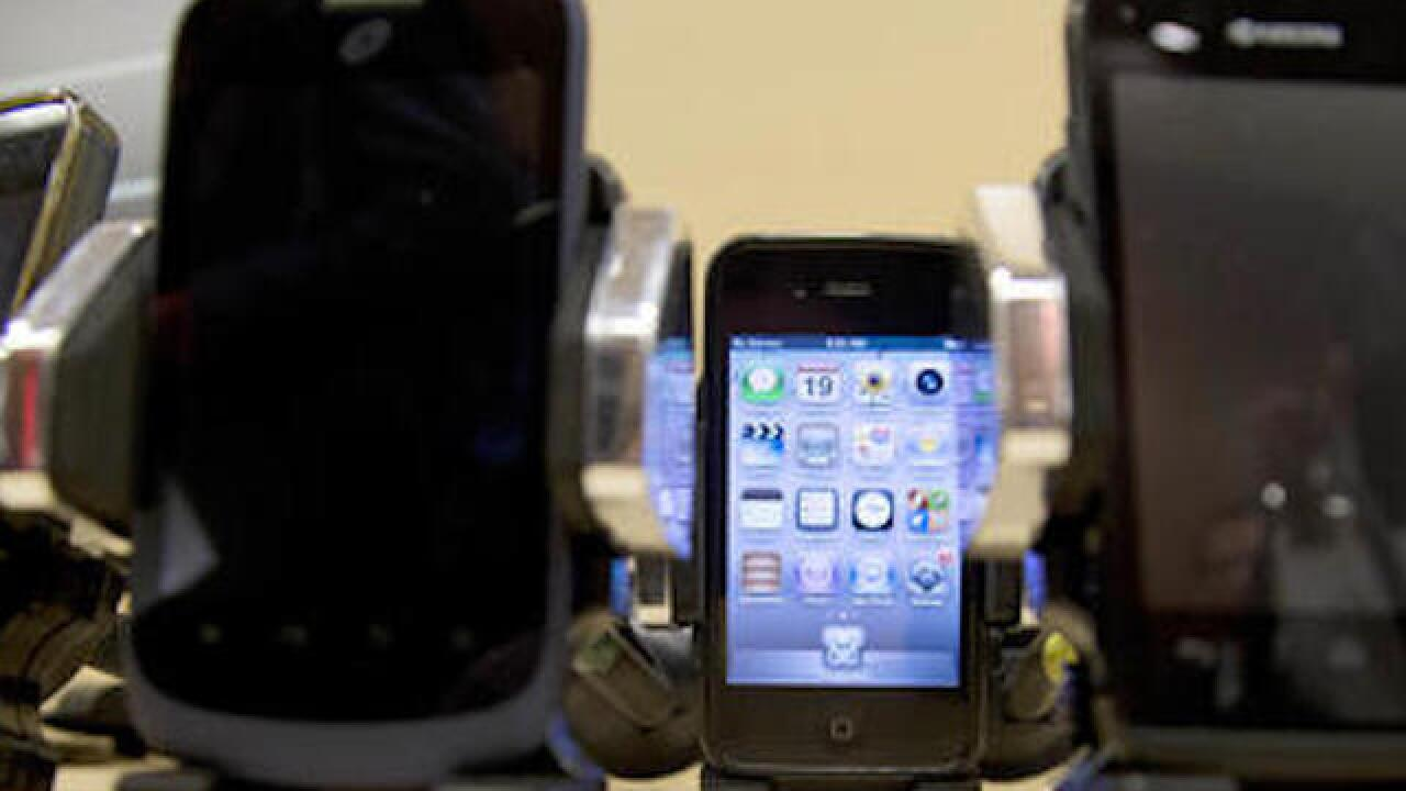 Cellphone radiation study raises concerns