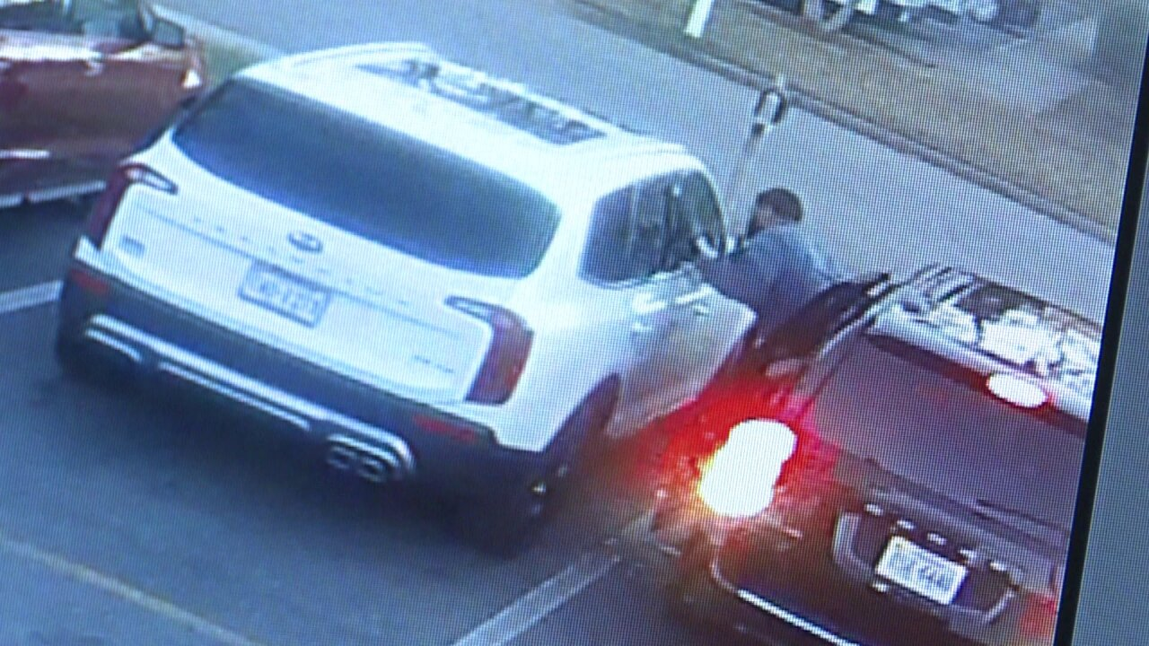 Police warn of thieves stealing purses, wallets from parking lots of Chesapeake daycarecenters