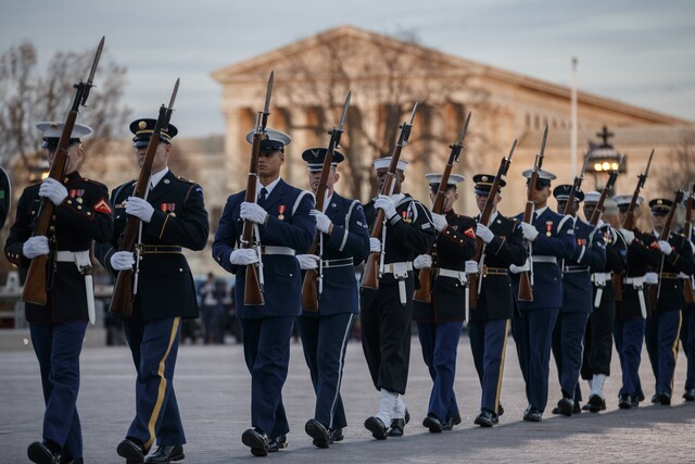 Photos: Mourners gather at the US Capitol to honor President George H.W. Bush