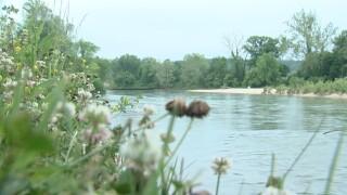 illinois river.jpg