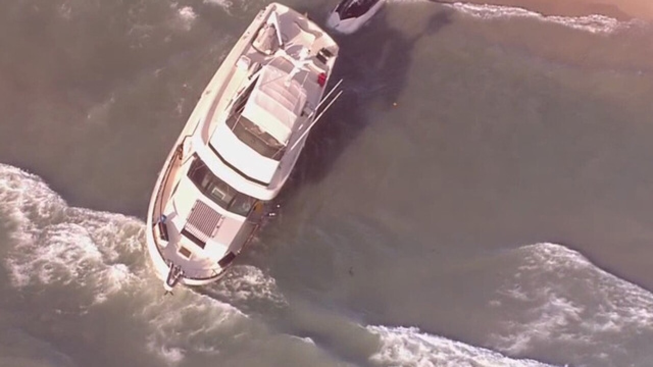 Yacht washes up on Palm Beach
