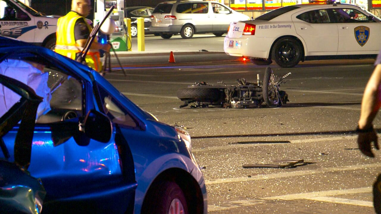 Man dead after motorcycle crash in Midvale