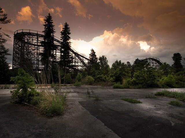 Hauntingly Beautiful Deserted Theme Parks Abandoned