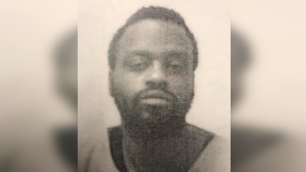 Petersburg Police searching for missing man last seen in flannelshirt