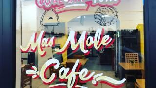 Más Mole Café