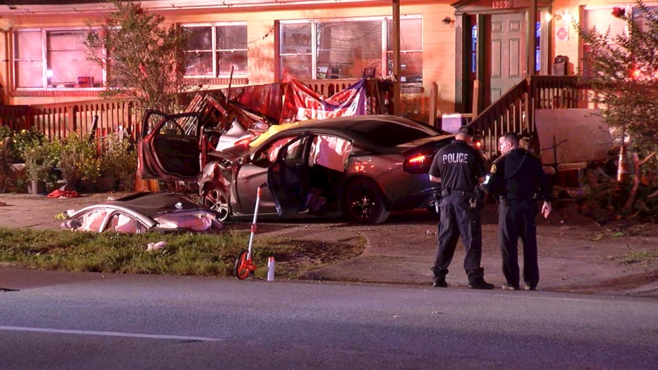 crash-into-building-16th-Street-South