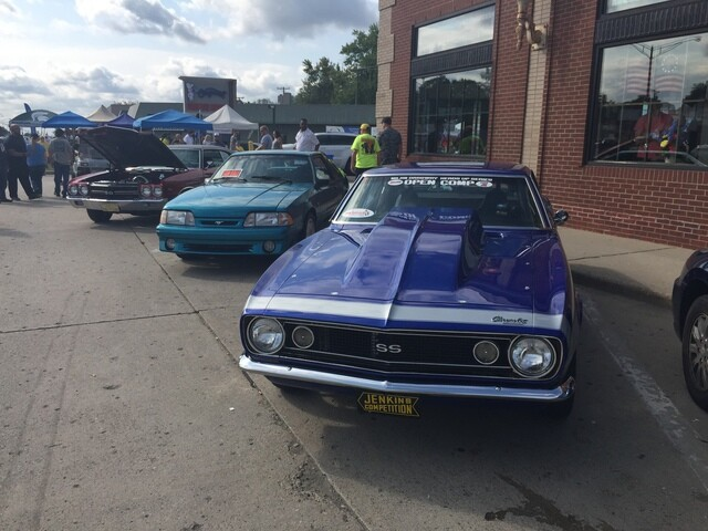 Photo gallery: Cars cruise Woodward for annual Dream Cruise