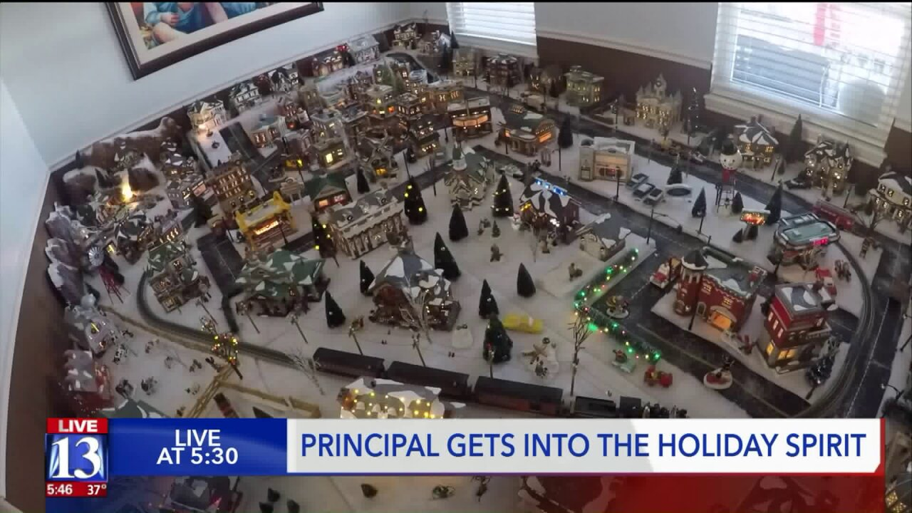 Middle school principal turns home into holiday wonderland